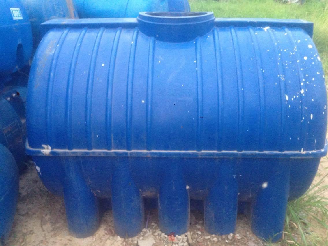Bán bồn tank nhựa trắng 1000l có khung sắt cũ đã qua sử dụng (Sao chép)