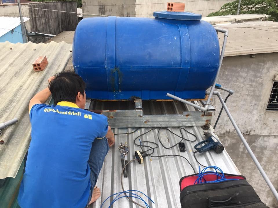 Hàn bồn nhựa bằng máy khò nhiệt chuyên dụng