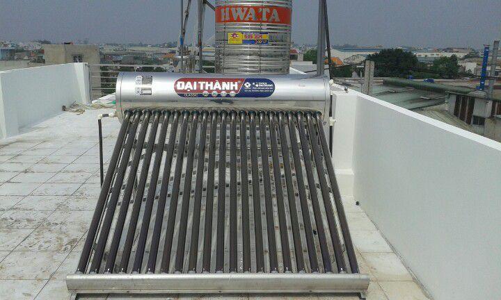 Máy nước nóng năng lượng mặt trời 130L Đại Thành (Sao chép)