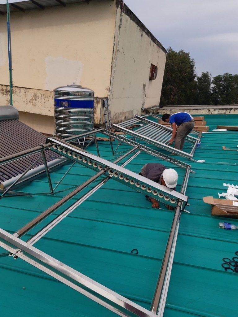Đại lý máy nước nóng năng lượng mặt trời chính hãng tại Bình Dương